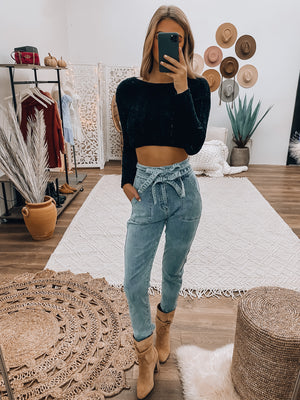 Cropped And Classic Sweater (Black)