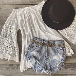 Summer Daisy Distressed Shorts (Light Wash)