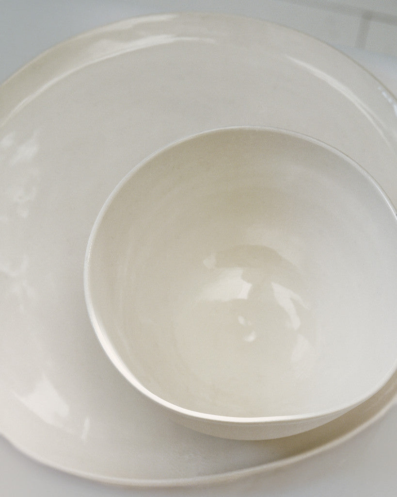 The bowl and plate are the perfect size: not too big, not too small.
