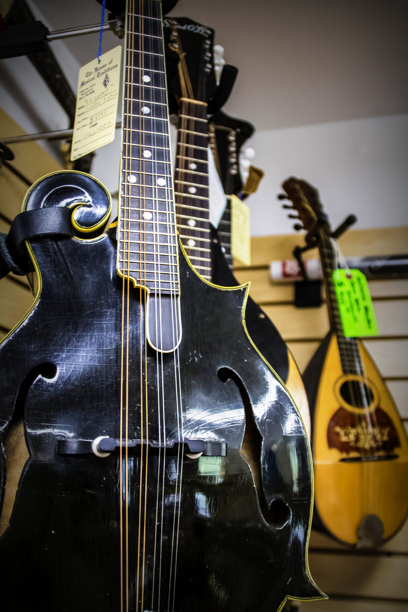 the Mandolin Room at House of Musical Traditions
