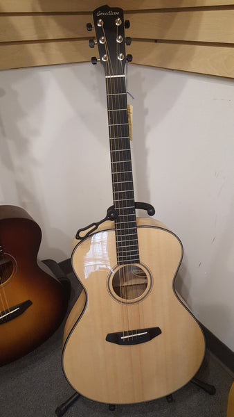 Breedlove Oregon Concerto E Spruce/Myrtlewood Guitar