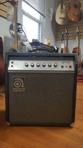 Ampeg GU-12 Guitar Amplifier (used)