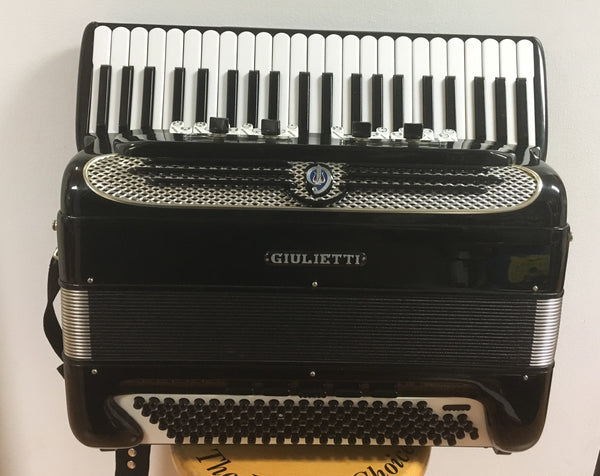 Giulietti Contintental Super T Free-Bass 120b Accordion (used)