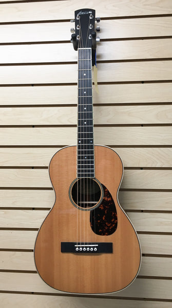 Larrivée P-04E Parlor Acoustic-Electric Guitar