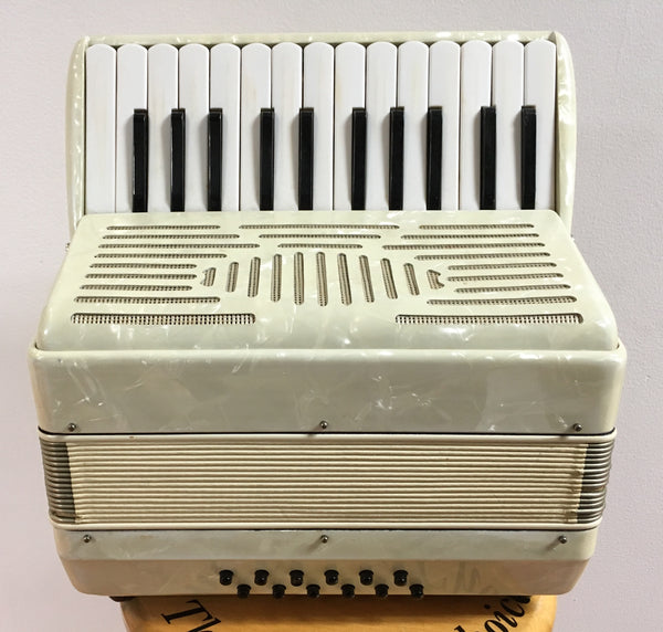 12-bass Piano Accordion (used)