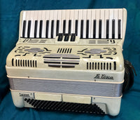 La Tosca Sierra 120-bass Piano Accordion (used)
