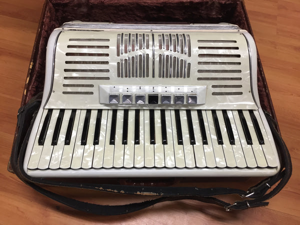 Mercury 120-bass Piano Accordion (used)