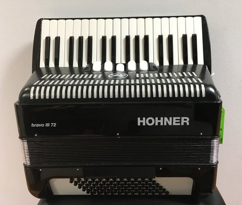 Hohner Bravo III 72-bass Accordion (used)
