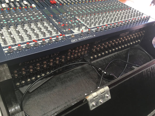 Soundcraft LX7II 24-Channel Mixer w/Road Case (used)