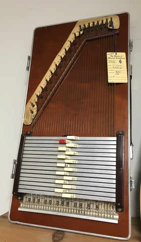 15-Chord Autoharp w/Built-In Case (used)