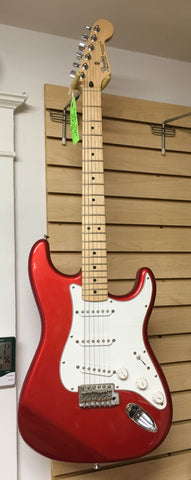 Fender Stratocaster Electric Guitar w/hard case (used)