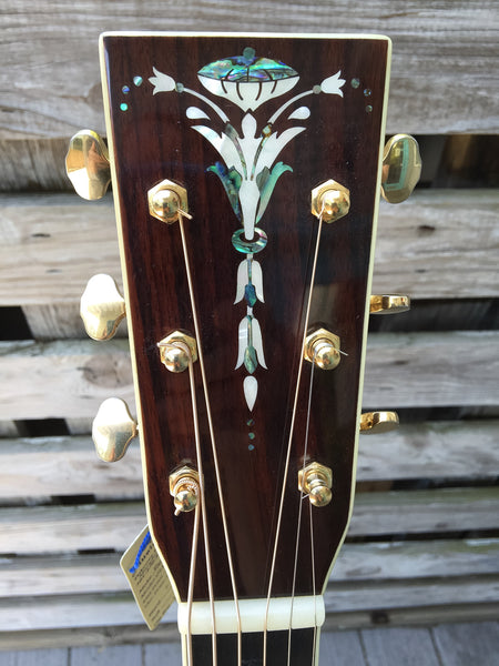 Recording King RD-327 Guitar (used)