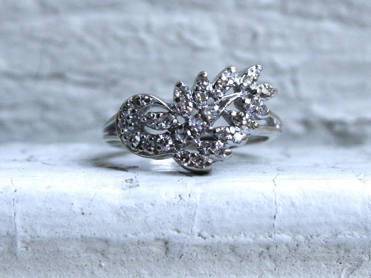 Lovely Leafy Vintage 14K White Gold Diamond Cluster Engagement Ring - 0.62ct