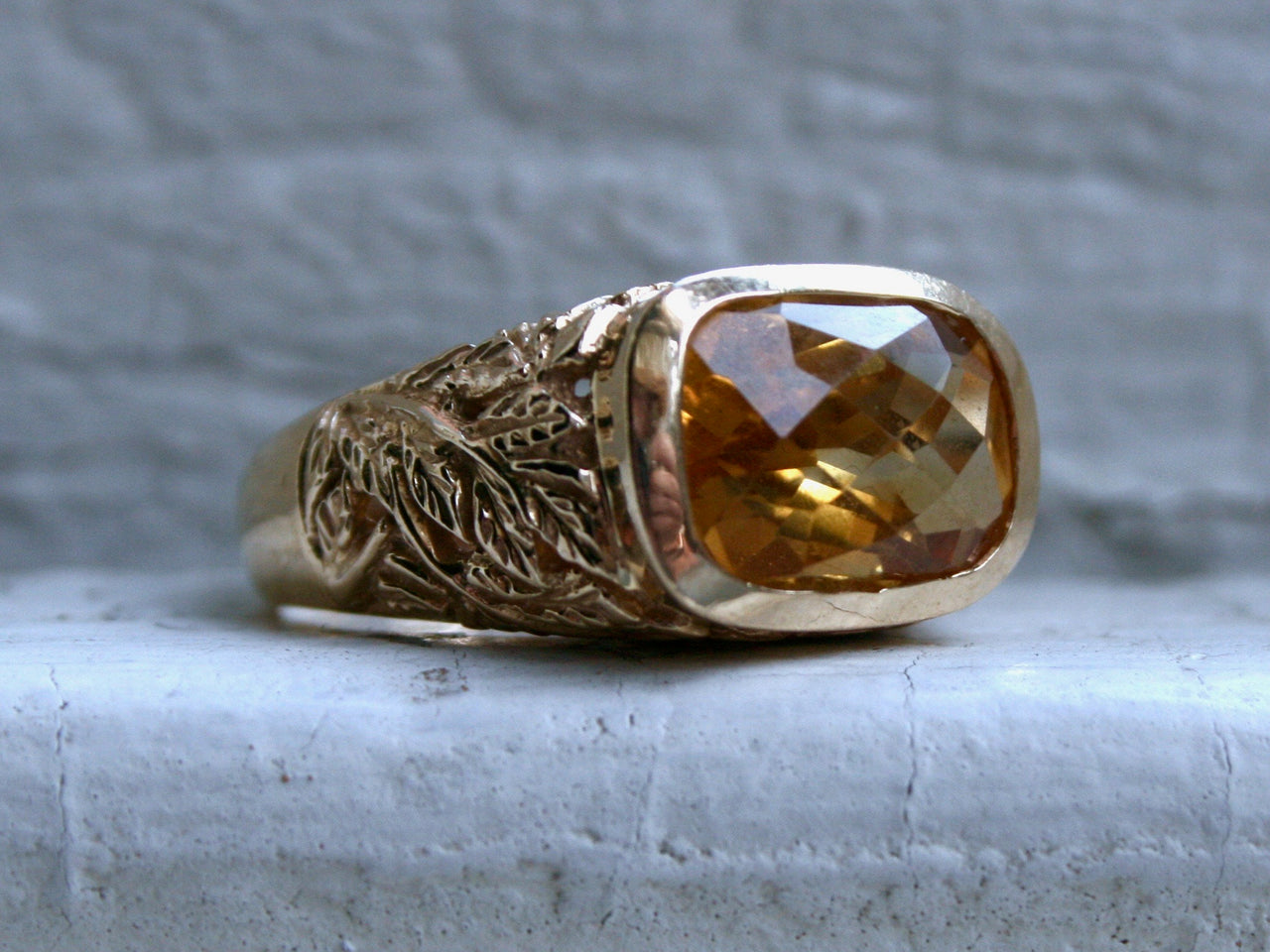 Gorgeous Vintage Golden Citrine Leafy Ring in 14K Yellow Gold - 6.50ct.