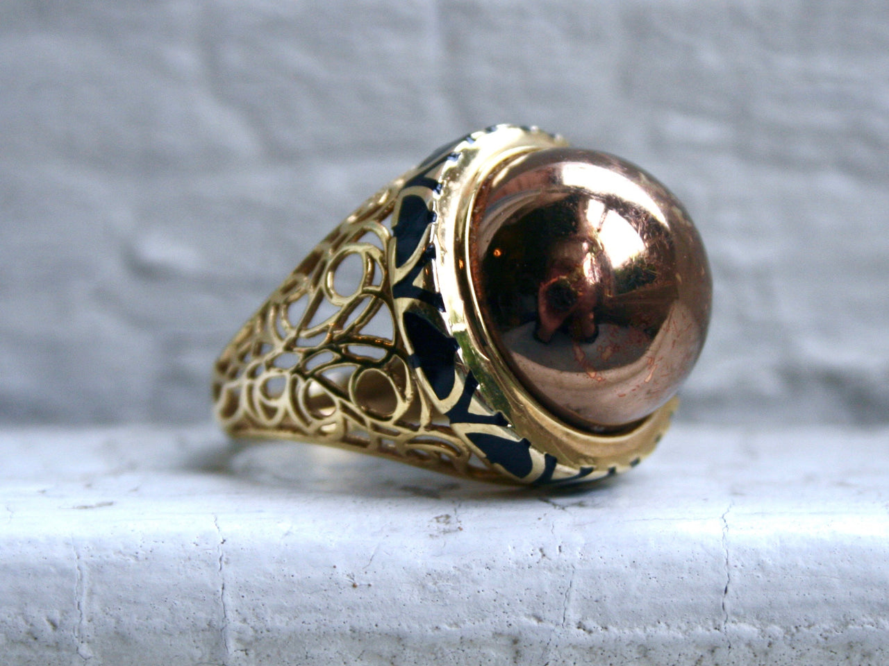 Cool Retro Vintage 14K Yellow Gold Ring with Enamel .