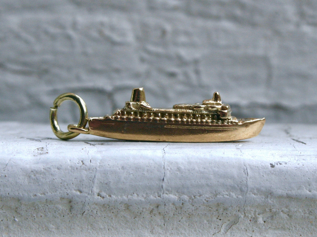 "Vintage 10K Yellow Gold ""Nieuw Amsterdam"" Boat Charm/ Pendant."