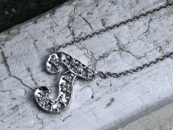 "Beautiful Vintage 14K White Gold Diamond ""T"" Necklace - 0.20ct."