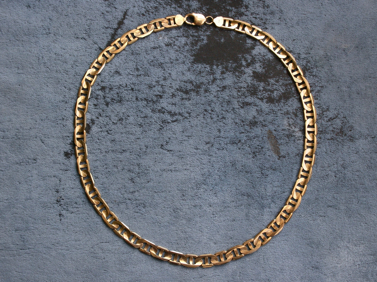 Gorgeous Vintage 14K Yellow Gold Modified Curbed Link Chain, 20.5 inches.