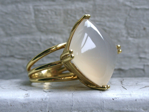 Gorgeous 18K Yellow Gold Lemon Chalcedony Ring Solitaire Ring Engagement Ring - 75ct