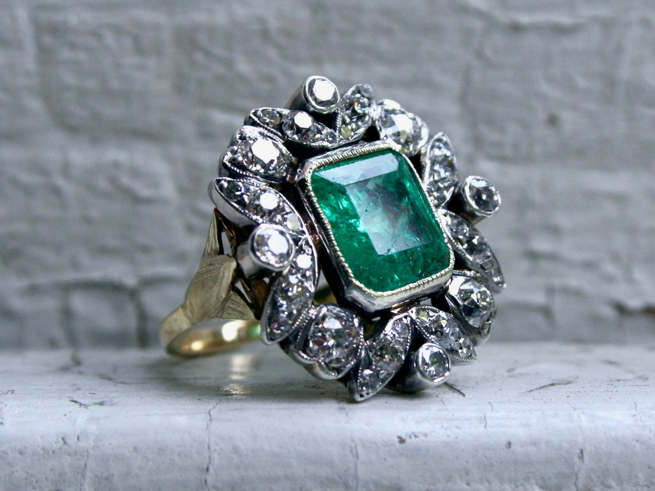 Stunning Victorian Antique 18K Yellow Gold/ Silver Diamond and Emerald Ring - 6.60ct.