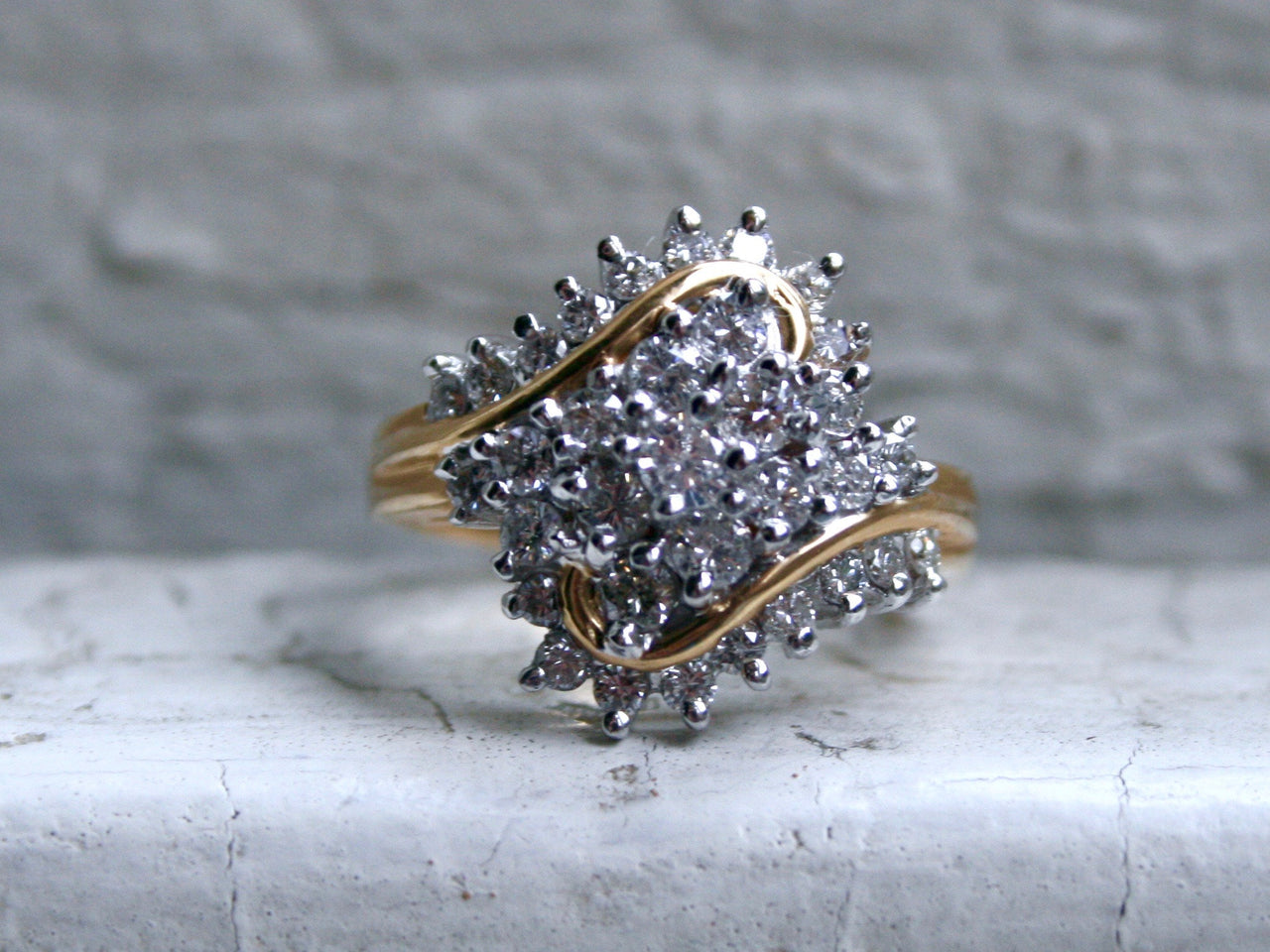 Lovely Vintage 14K Yellow Gold Diamond Cluster Ring Engagement Ring.