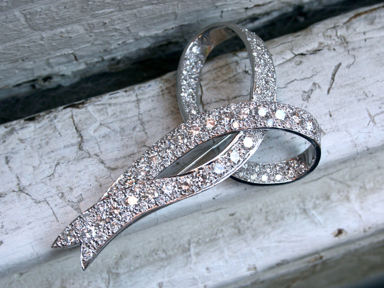 Large Amazing Retro Diamond Bow Pin/Pendant - 10.05ct.