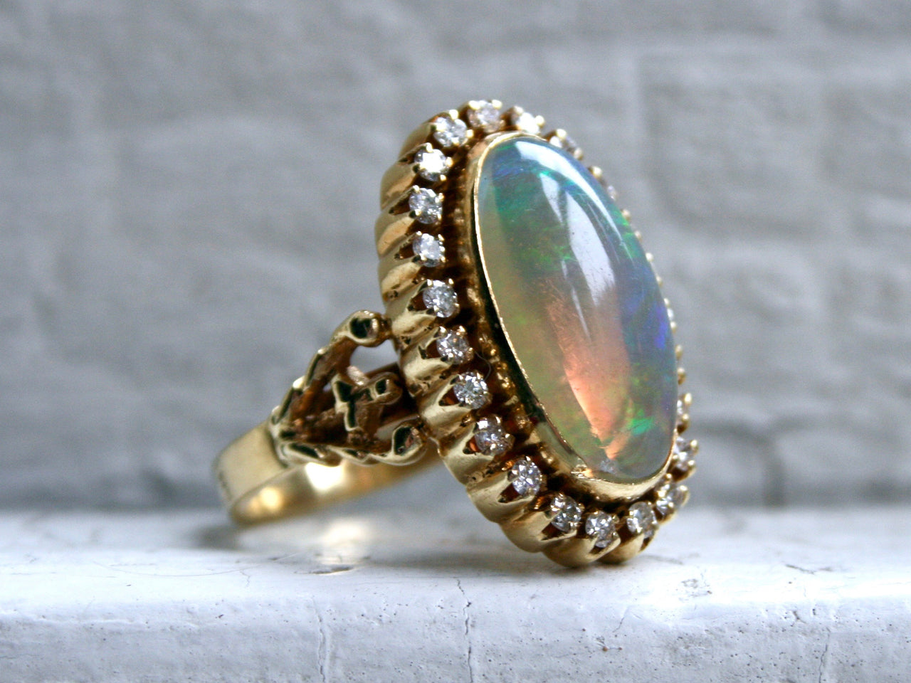 Gorgeous French Vintage Opal and Diamond Halo 18 Yellow Gold Ring.
