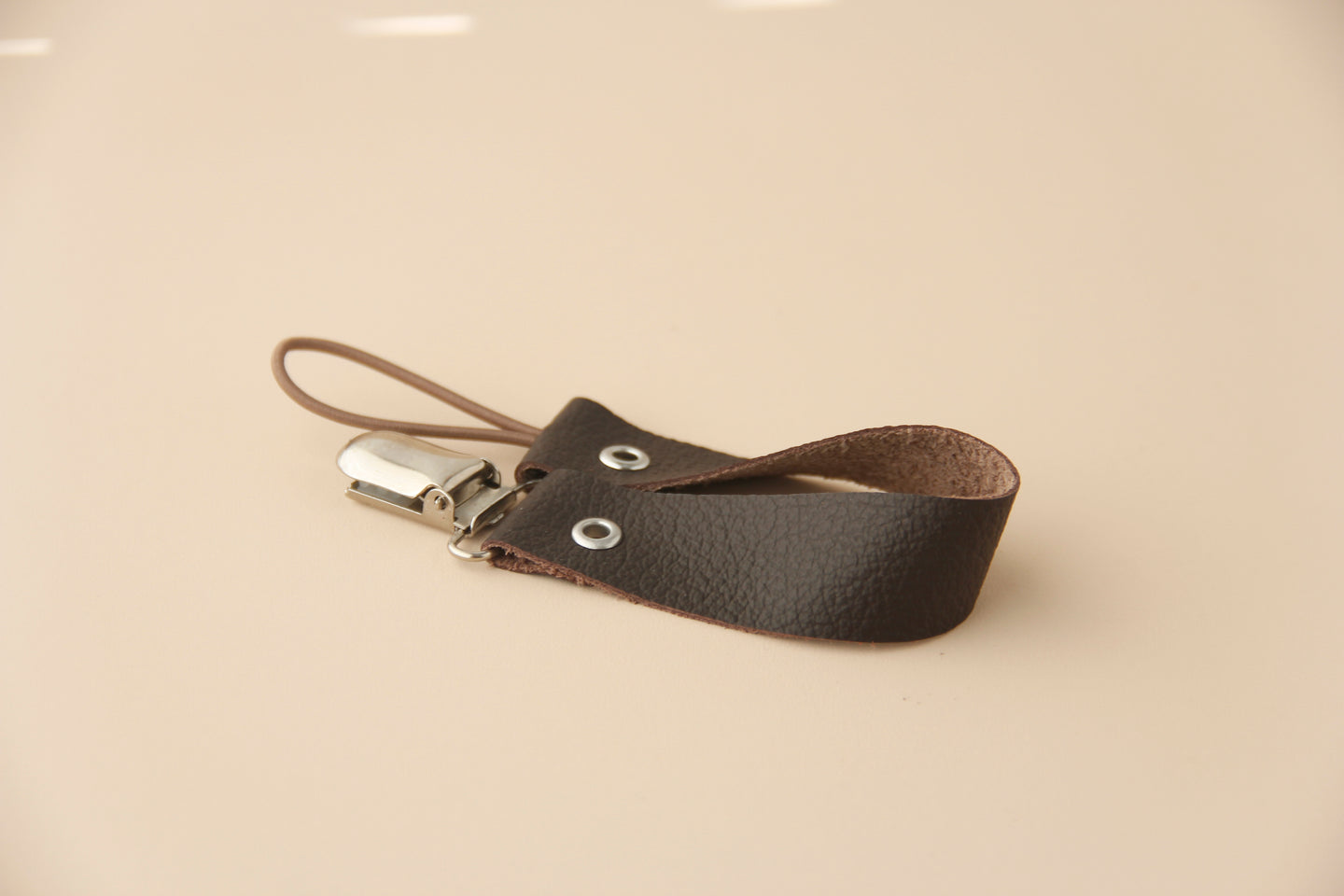 Leather Pacifier Holder - Mocha