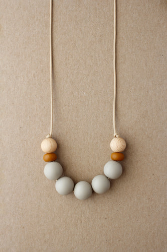 Mommy Necklace - Nida | Taupe