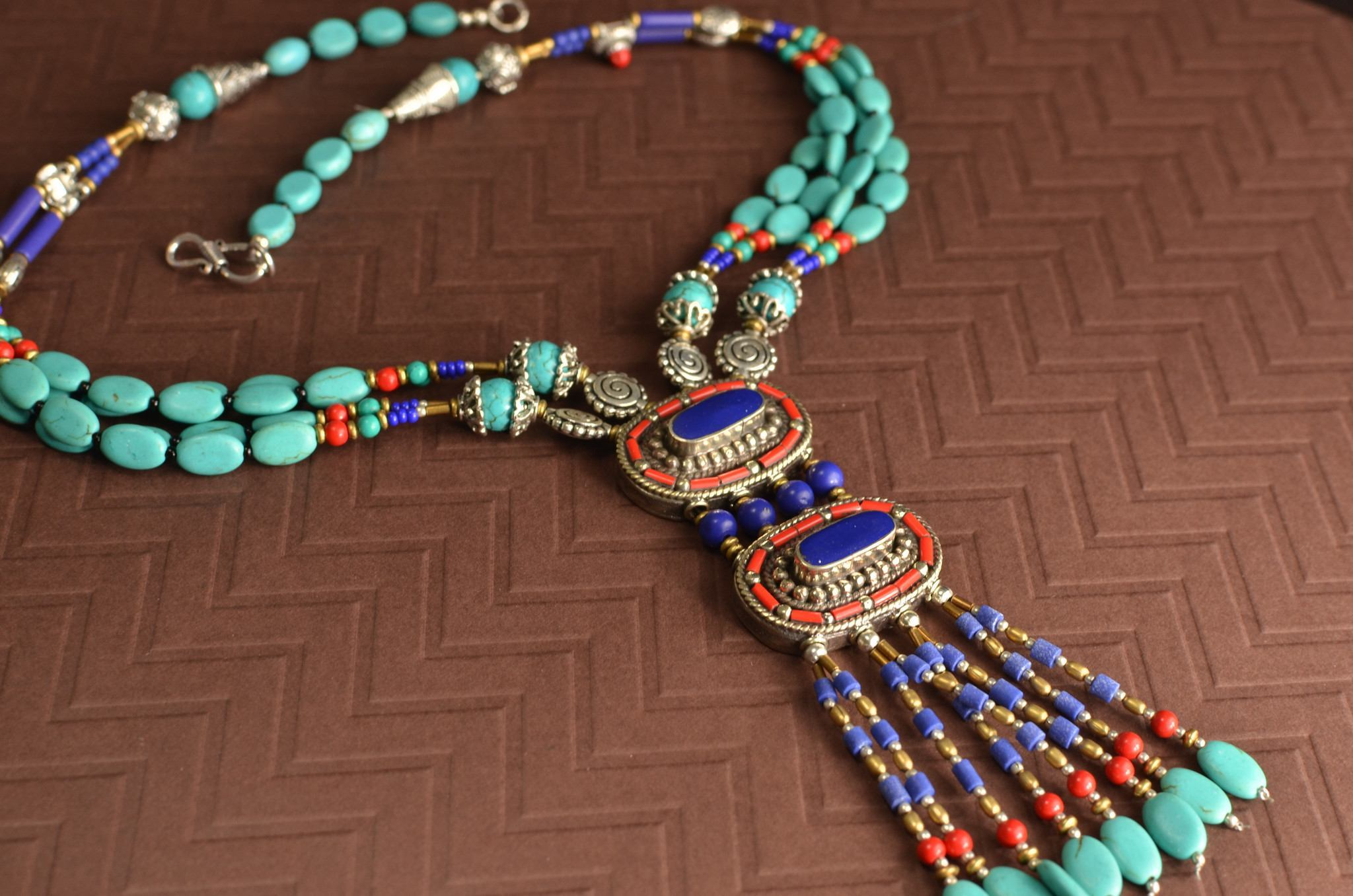 beaded pend green nepali aristabeads jewelry malachite necklace products