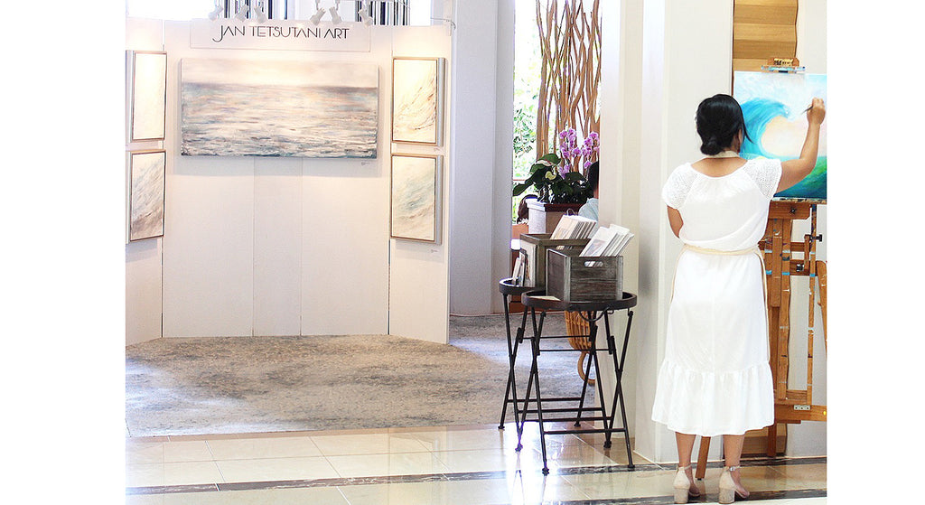 Hawaii artist Jan Tetsutani paints at Four Seasons Resort O'ahu