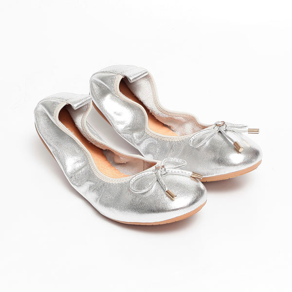 FAITH Silver Leather Round Toe Ballet Flats