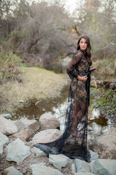 Elizabeth in Black <br> Extra Long Lace Bridal Robe