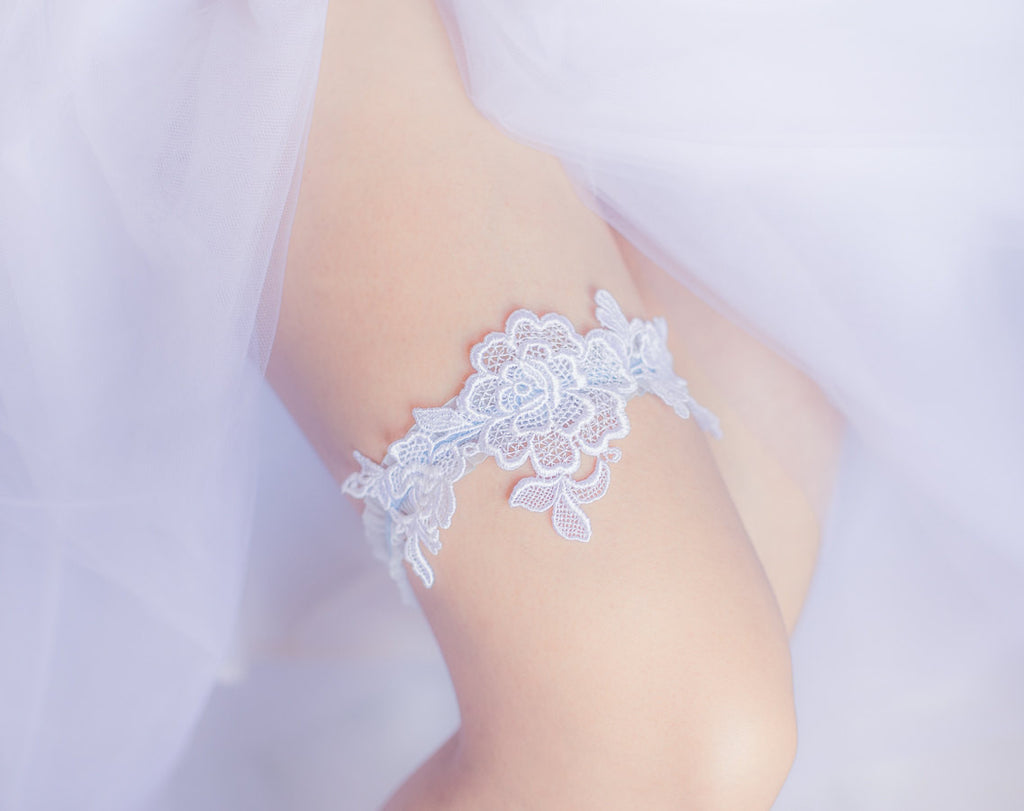White and Blue Garter <br> GS112
