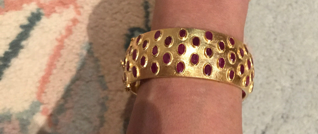 Canon Bangle Bracelet in Ruby - Palme d'Or