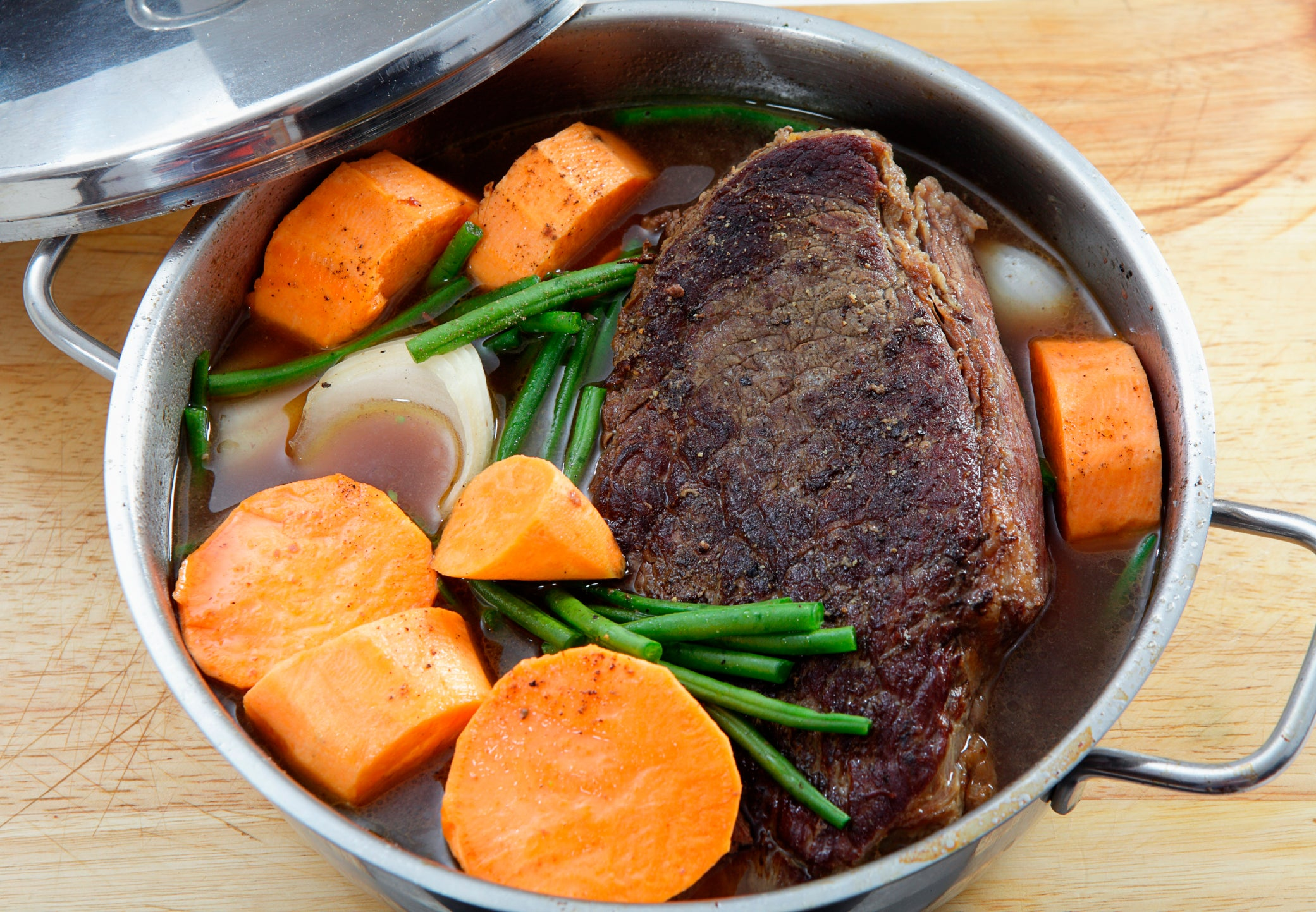 Delicious pot roast with veggies