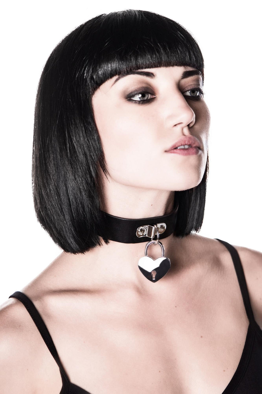 Emily Heart-Locket Choker [B]