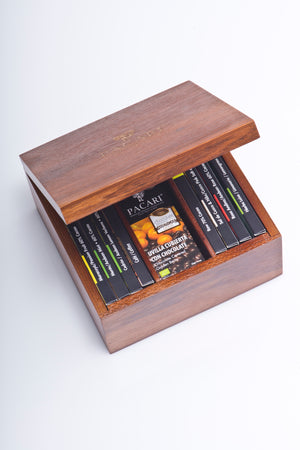 Laurel Wooden Gift Box with Organic Chocolates (8 bars + 2 Covered Fruits)