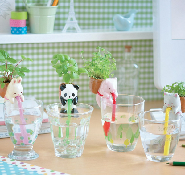 CHUPPON self watering animal planter