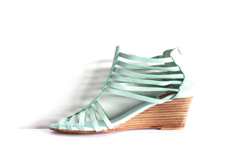 Evis Wedges