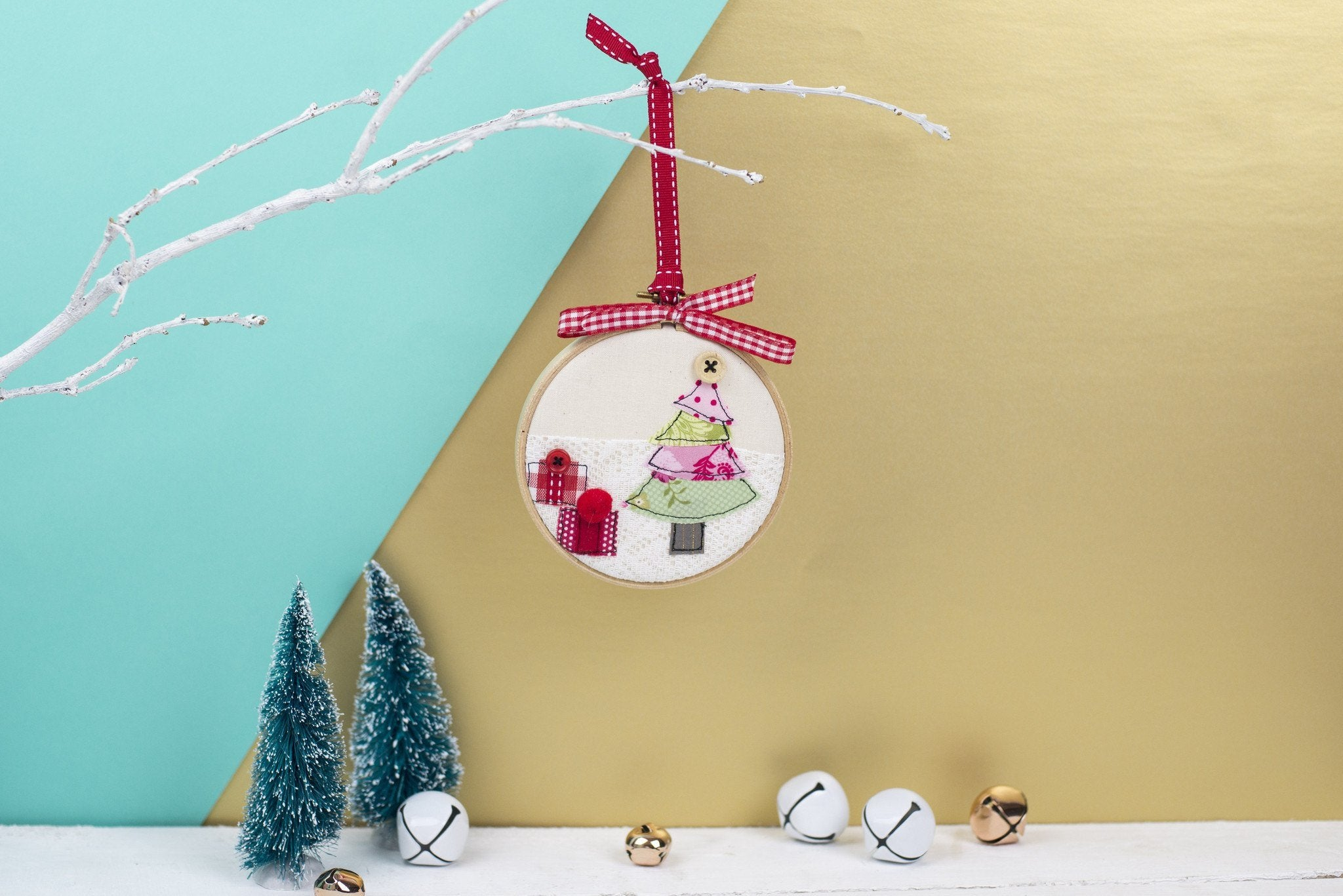 Christmas Tree Embroidery Hoop Bauble – Rachel & George
