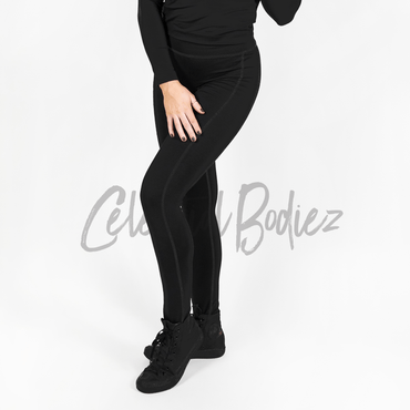 High Waist Black on Black Pocket Leggings