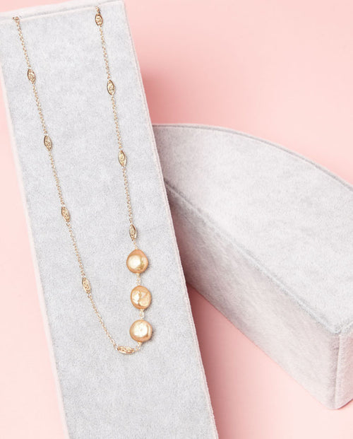 Necklace - gold Keshi pearls