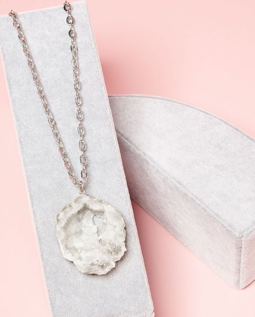 Necklace - sparkling white druzy with bold chain