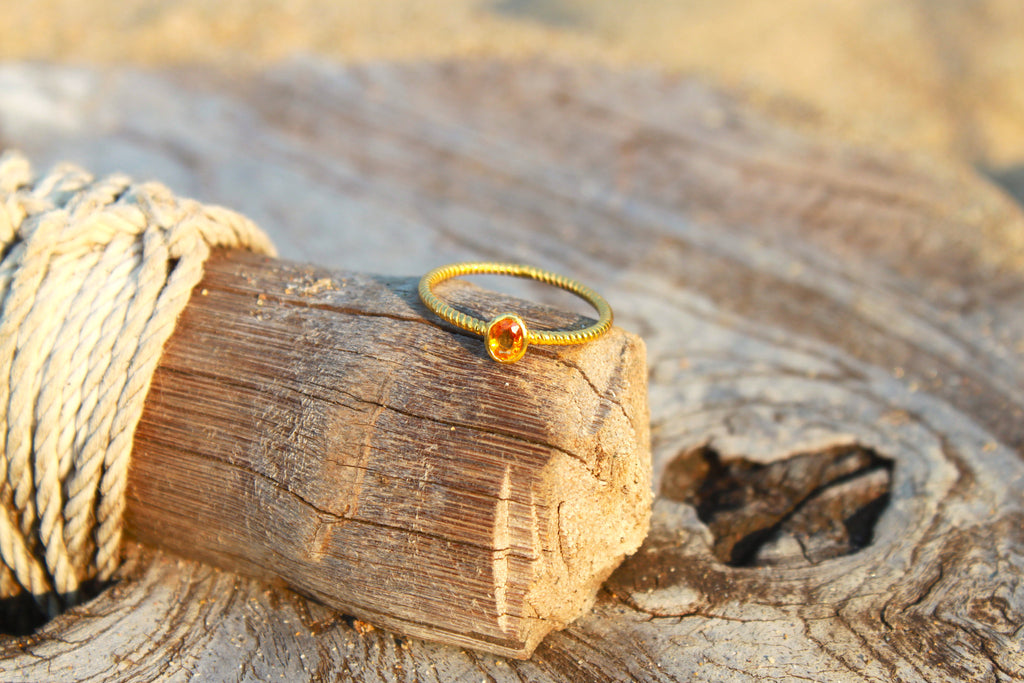 18CT GOLD RING - CITRINE