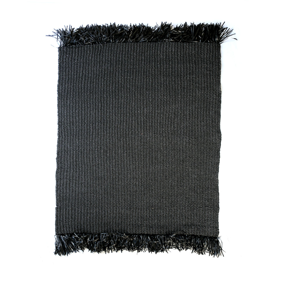RAFFIA FRINGED CARPET / BLACK