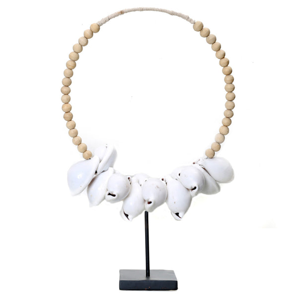 COWRIE SHELL NECKLACE ON STAND / NATURAL
