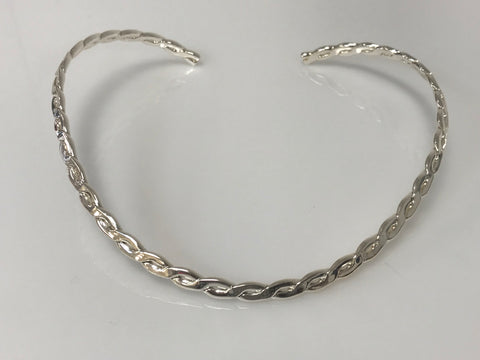 Choker - Silver U Shaped Necklace With Closure