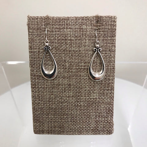 Its Sense Earrings Gold Black Detail Teardrop Fishhook ME4189BK
