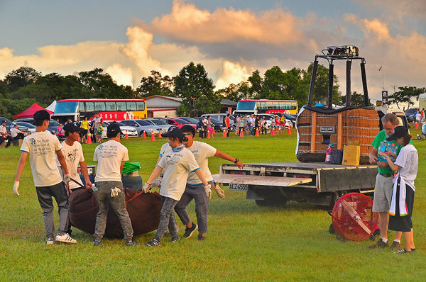 Unloading hot air balloon equipment, including a Ventry Inflation Fan